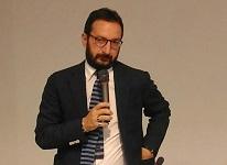 Immagine associata al documento: Mazzarano visita il Centro ricerche Core Lab dell'Università del Salento